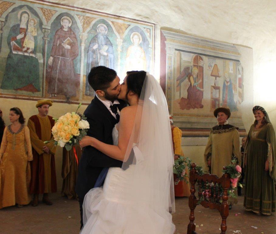 """Matrimonio In Un Borgo Toscana : Certaldo a """"prendere piacer dove il tempo si è fermato"""