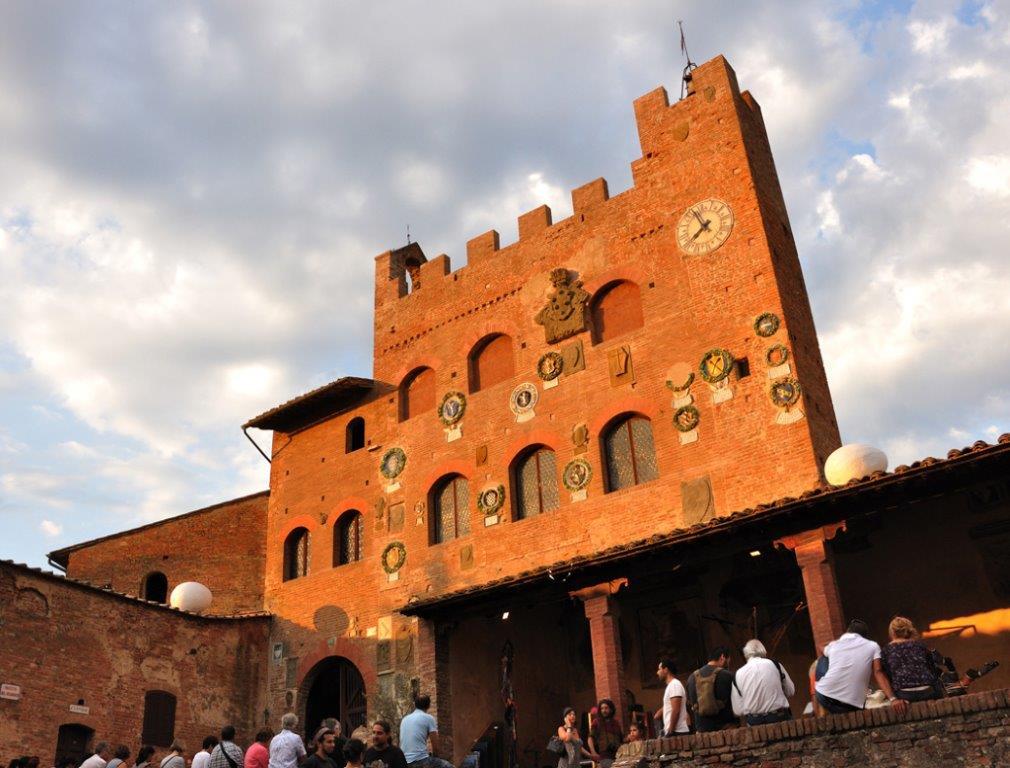 """Certaldo - A """"prendere piacer"""" dove il tempo si è fermato - Toscana Ovunque Bella"""