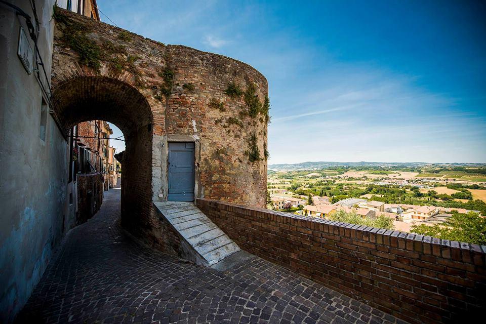 Peccioli - La terrazza della Valdera a un passo dal cielo - Toscana ...