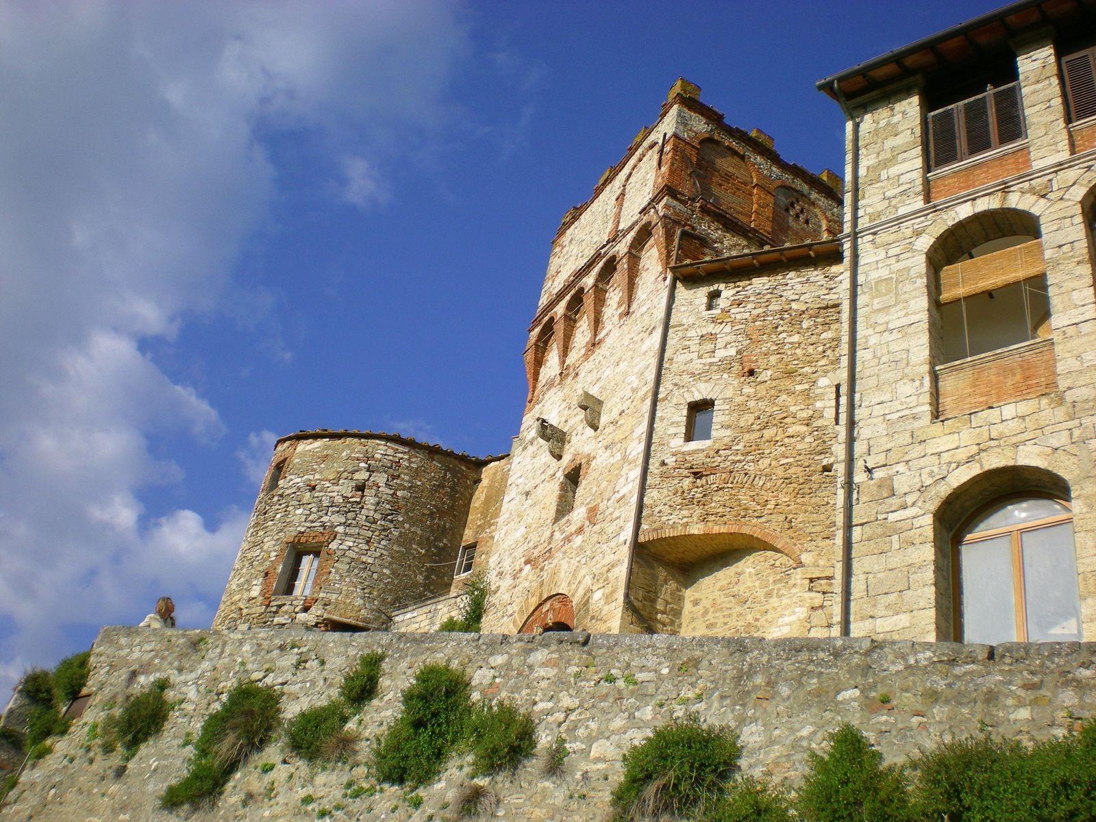 Rapolano Terme - Rapolano, scrigno di elementi immerso nella storia - Toscana Ovunque Bella