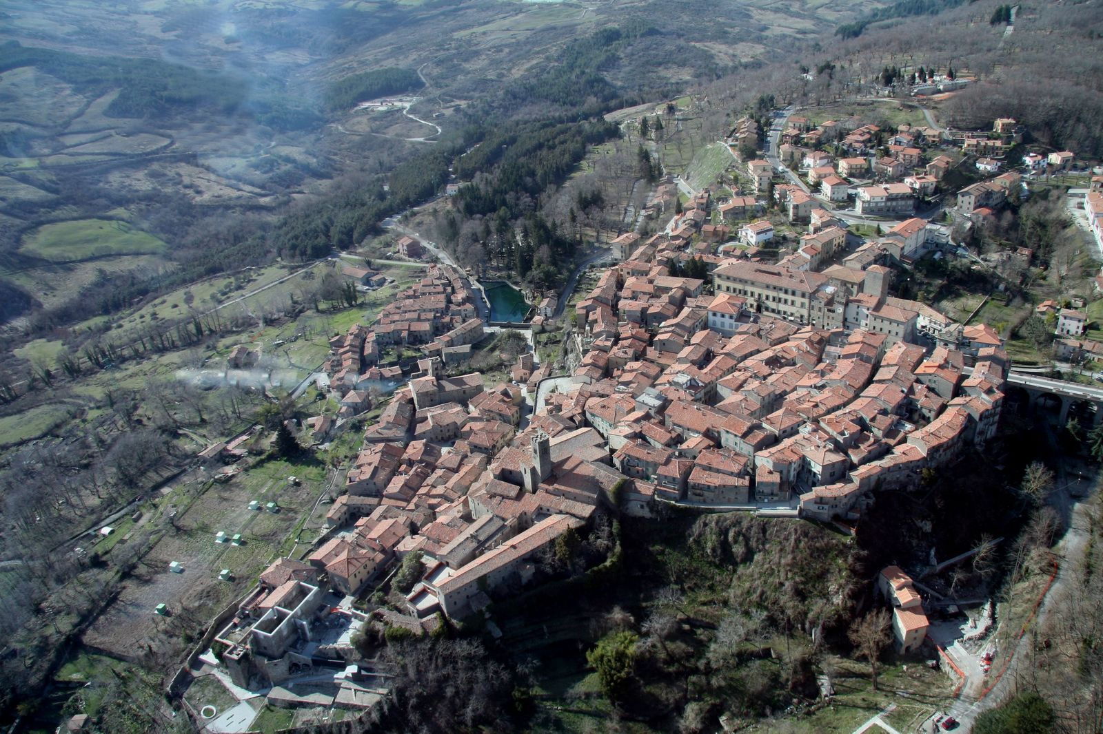 Santa Fiora, foto aerea
