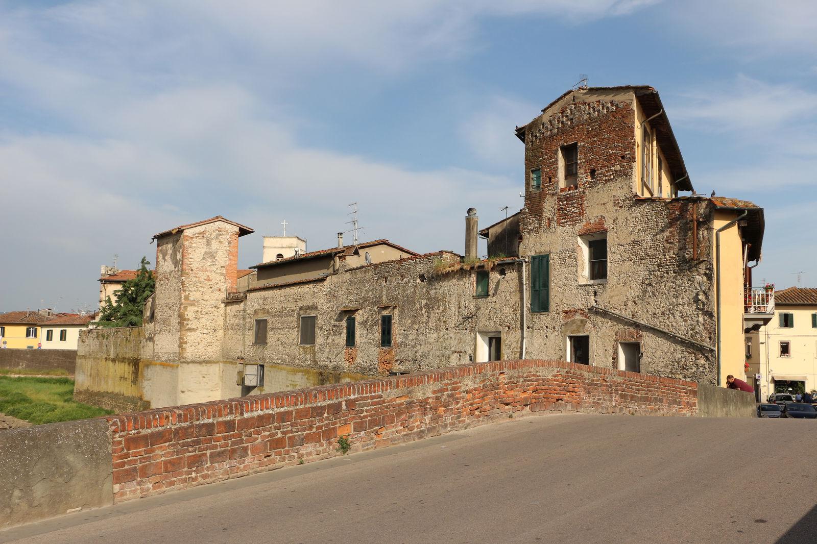 Campi Bisenzio - Tra rocche e castelli qui si fece la storia