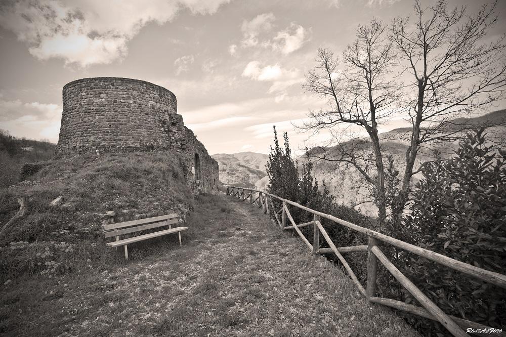 Villa Basilica - Villa Basilica, dalle spade alla carta - Toscana Ovunque Bella